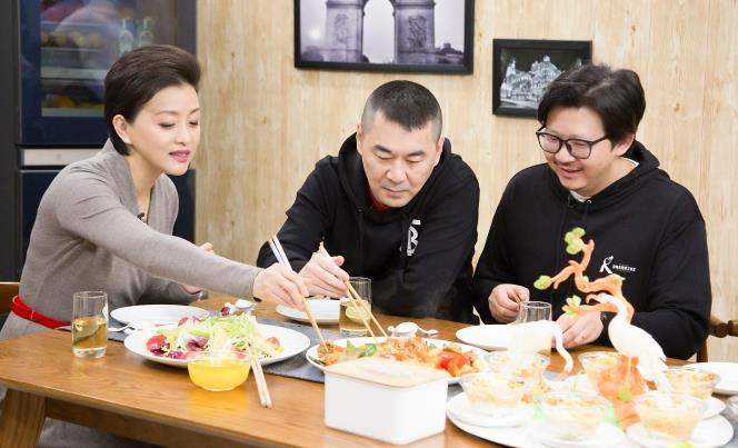 陈建斌做客《你好!生活家》 畅谈《一个勺子》拍摄历程