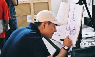 李晨nic化身潮流推荐官助力青年艺术家实现梦想
