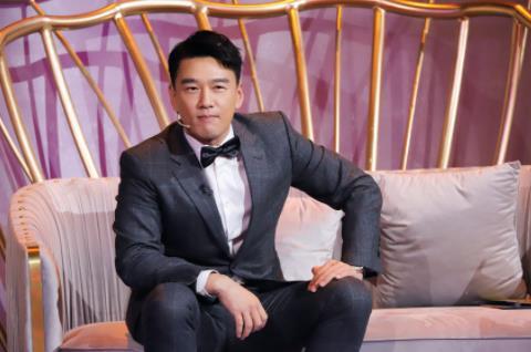 """王耀庆加盟《声临其境3》 现场被虞书欣认""""舅舅"""""""