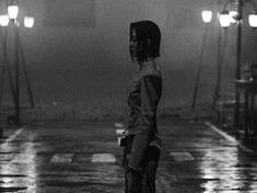 """张韶涵零下六度人工湖拍MV 称""""我一个人很开心"""""""