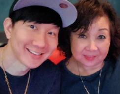 四年一遇的日子!林俊杰晒与妈妈幸福合照留纪念