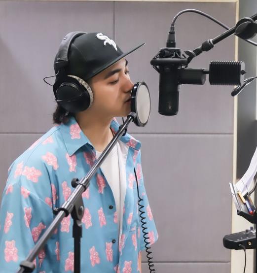 夏恒新歌《去爱》上线 新风格尝试情绪音乐电影式表达