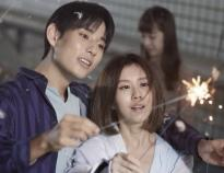 MV上演日剧《冰上恋人》 白安身穿10公斤比赛服汗流浃背