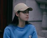 清冽文艺又灵动!演员艾米晒最新私服静谧美好